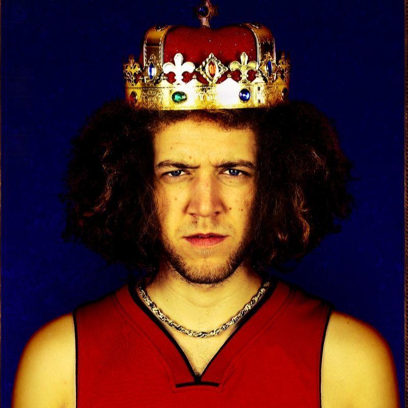 Scaled king of fringe