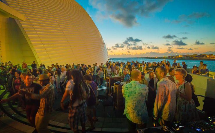 Scaled dusk beautiful crowd balcony john mayo photography